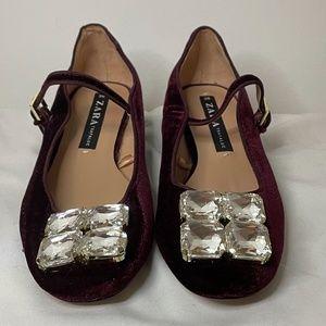 NWT garnet velvet block heel maryjanes w crystals
